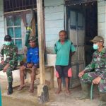 """""""Mempererat tali silahturahmi dengan masyarakat diperbatasan, Satgas Yonif 406/CK adakan Anjangsana secara rutin di Papua*"""